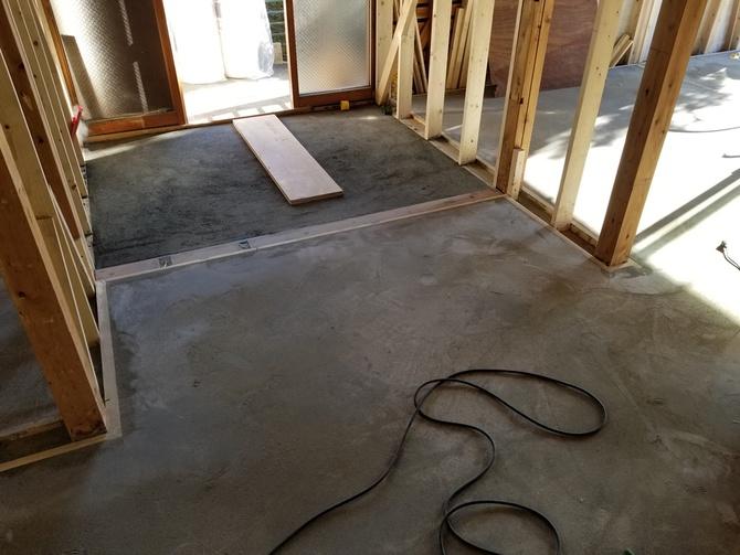 ダンハウスオリジナルの蓄熱式床暖房